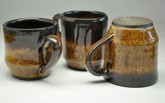brown-mugs